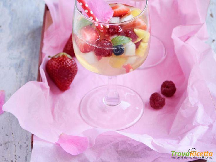 Essenza: Aspic di frutta fresca e acqua di cocco  #ricette #food #recipes