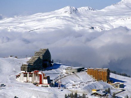 Aime 2000 ski resort in La Plagne    http://www.ernalow.co.uk/france/la-plagne/aime-2000/overview