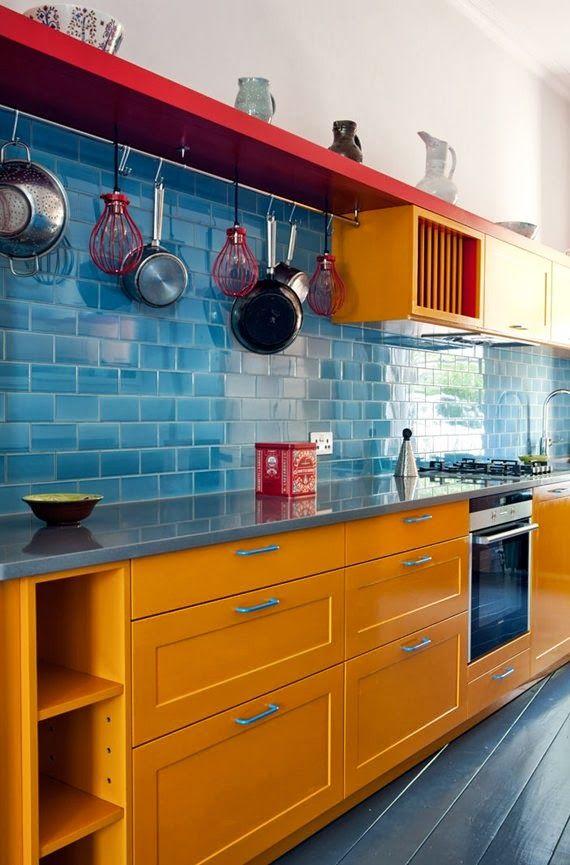 Cozinha amarela e azul