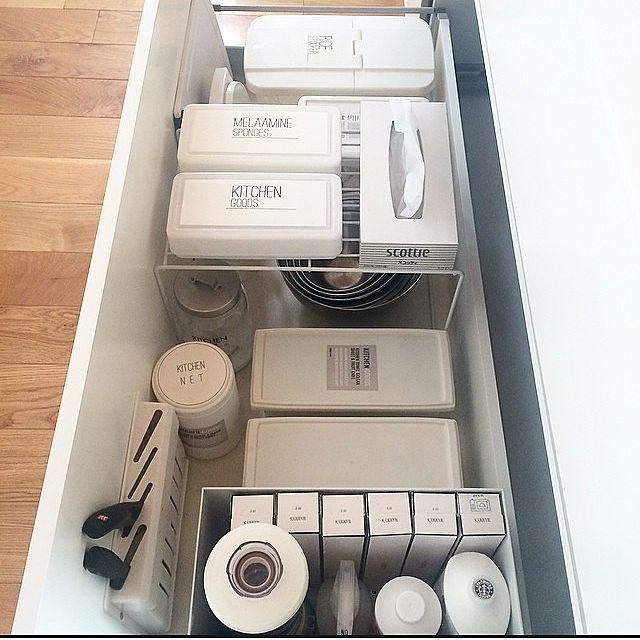 女性で、の整理収納部 /ダイソー/ラベル/キッチン収納/キッチンについてのインテリア実例を紹介。「お米、もち米等も収納しています。」(この写真は 2015-04-12 09:27:17 に共有されました)