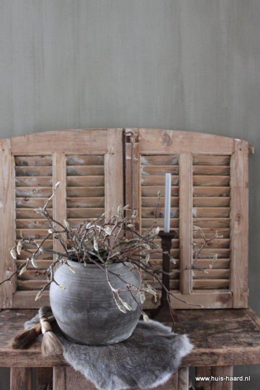 Set van twee oude louvre luikjes | Nieuw binnen bij Huis & Haard | Huis & Haard landelijke woonaccessoires webshop