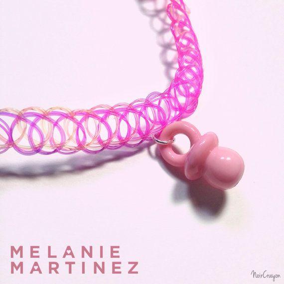 Mélanie Martinez tétine RAS de cou. par NoirCrayon sur Etsy