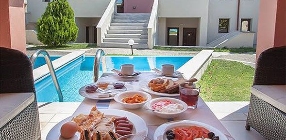 Στα πλαίσια της κατάρτισης του 'Τοπικού Συμφώνου Ποιότητας' η Spyrou Hotels πιστοποίησε τα ξενοδοχεία της Rigas Hotel 3*  και Skopelos Holidays Hotel & Spa 5* για την παροχή του 'Ελληνικού Πρωινού'.