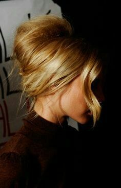 French chignon - I need to learn how to do this!