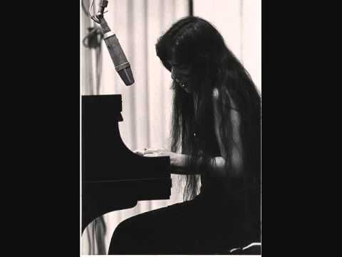 ▶ Walk On By by Laura Nyro - YouTube