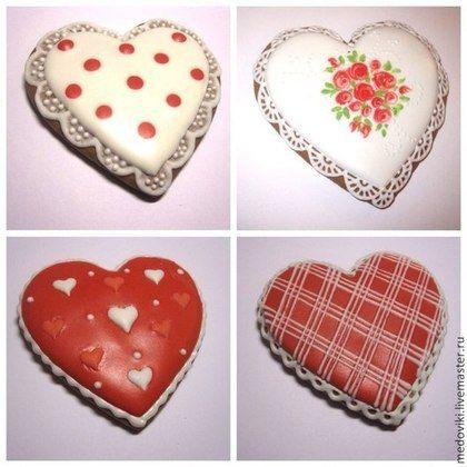 Купить или заказать Расписной пряник Сердце в интернет-магазине на Ярмарке Мастеров. Красивые пряничные сердца уместно подарить в знак любви, верности, уважения, благодарности. Они станут отличным подарком на День рождения, юбилей, свадьбу, День всех влюбленных. Каждый пряничек упакован в прозрачный пакетик. По желанию, можно заказать пряники в красивой подарочной упаковке. Другие пряничные сувениры выбирайте здесь: www.livemaster.ru/medoviki) Для того, чтобы первыми получать…