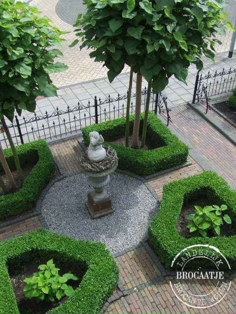 formal front garden - Google Search