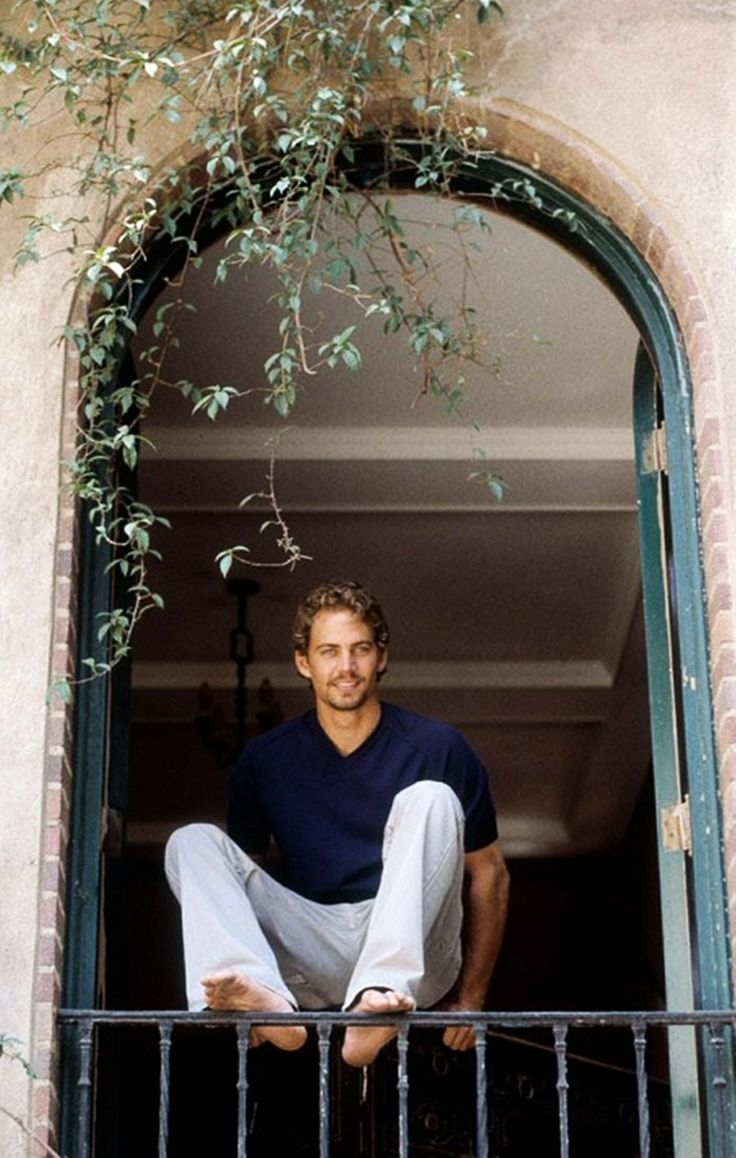 Paul Walker.....Perfect from head to toe.