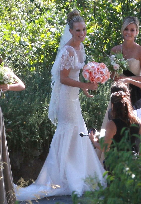 Molly Simms sleeves are SO SO similar to what I want on my wedding gown!