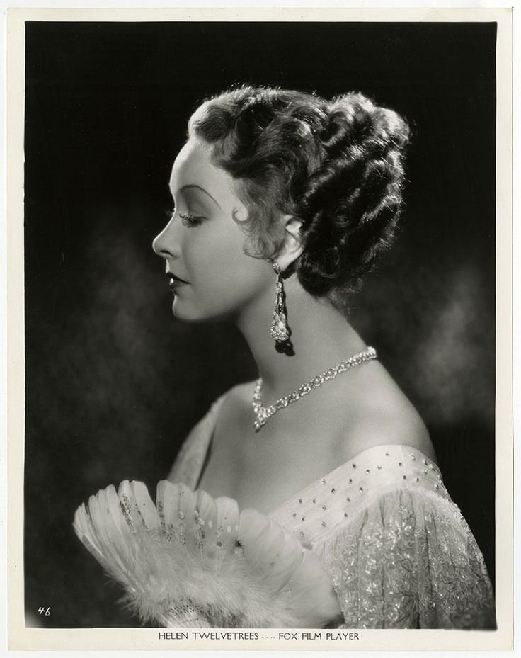 One of the Golden Age of Hollywood's early talkie stars and beautiful pre-code leading lady. Helen Twelvetrees was born Helen Marie Jurgens in Brooklyn, New York on December 25, 1908. Her interest in the theatricals was apparent at an early age. | eBay!