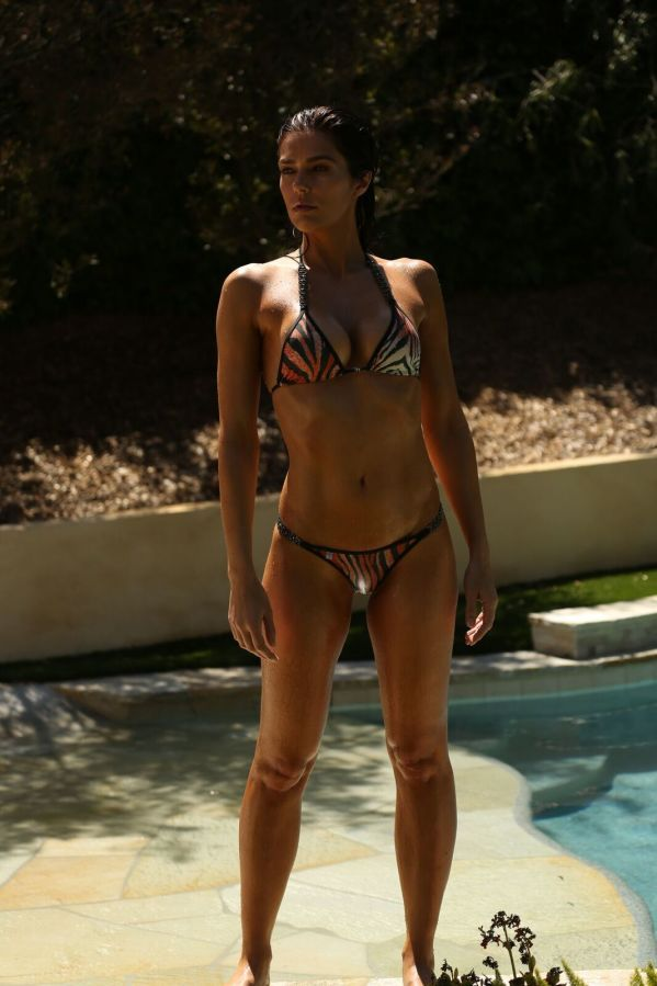 Top Model Adrianne Curry in the raw at 34