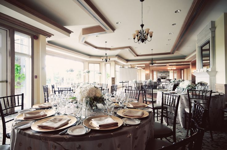 Beautifully decorated room at King Valley Golf Club - Images captured by PurpleTree Wedding Photography.