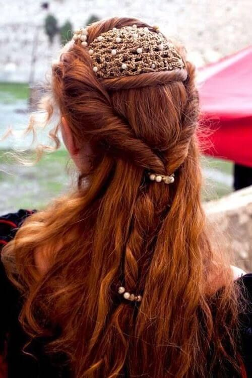 peinados-medievales-pelo-suelto