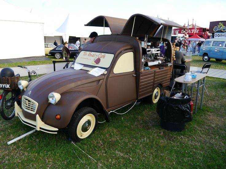 Citroen 2cv Coffee Van | par C.Elston   ===>  https://de.pinterest.com/josepmsimon/citro%C3%ABn-2cv/