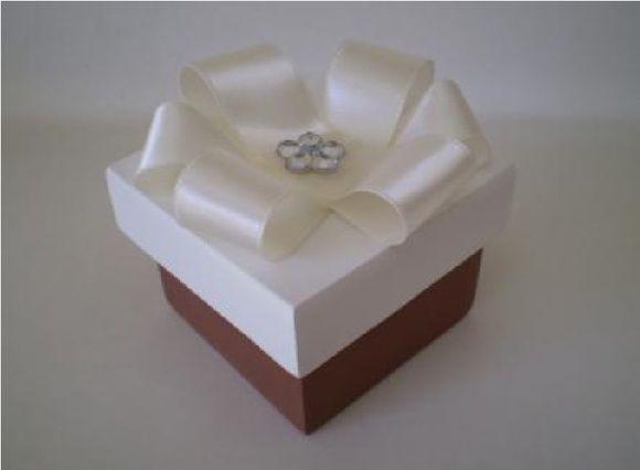 caixa flor de fita