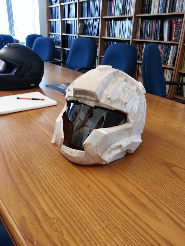 Halo-style motorcycle helmet via Reddit user jsfinegan91
