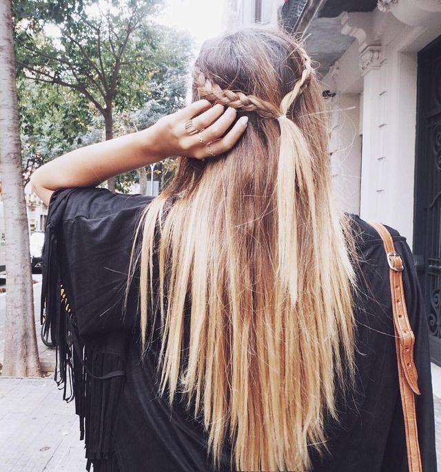 Les cheveux longs tressés