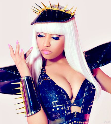 Nicki Minaj ~ Love her bcz shes krazie just like me <3