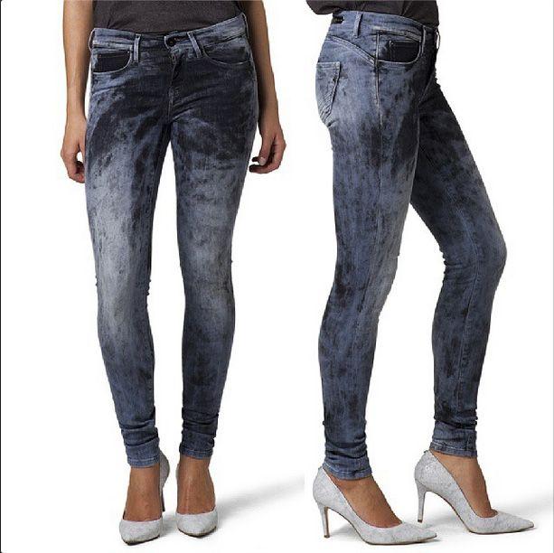 #newcollection #newproduct #newjeans #jeans #autumnwinter14 #fallwinter14 #pepejeans #nasher #denim #denim000 #skinny #slimleg #zip #zipfly #mediumrise #womenjeans #womencollection #women #follow #followme