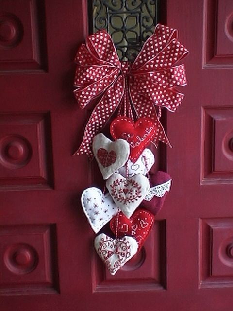 Red door wit heart swag.