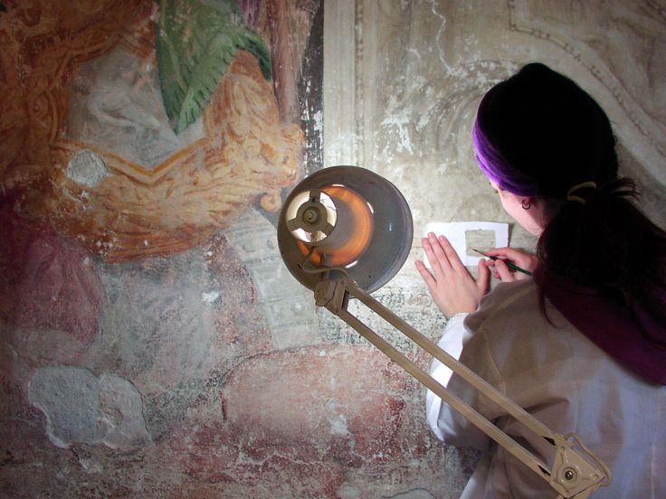 """Laboratori e prove pratiche della Scuola di Restauro """"Andrea Mantegna"""" - Piazzola sul Brenta (PD)"""