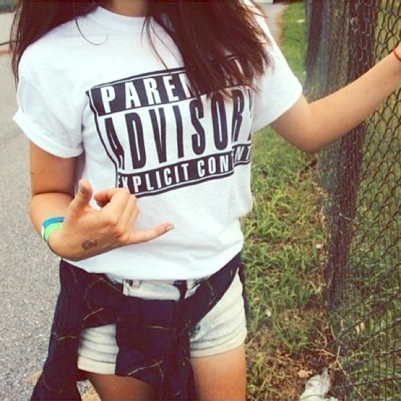 Tumblr Shirt ✖️Parental Advisory✖️ Perfect shirt for concerts and summer! ~Small~ Parental Advisory Tops Crop Tops