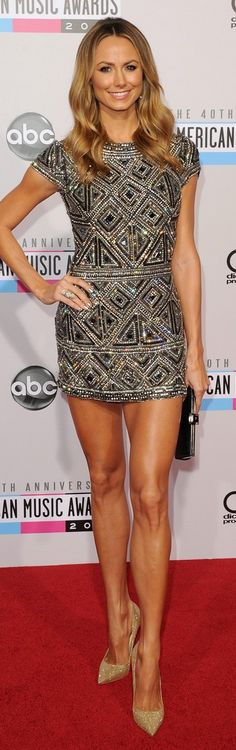Stacy Kiebler: Dress – Collette Dinnigan    Shoes – Jimmy Choo    Jewelry – Neil Lane