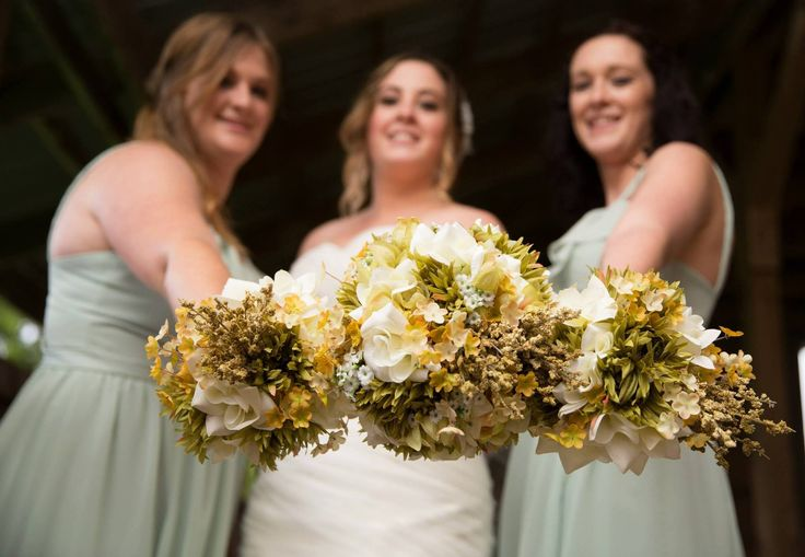 Country, Green & Ivory Wedding Bouquets