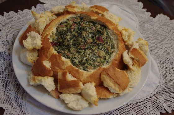 Hot spinach dip.... needs mayo & tofutti sour cream :/