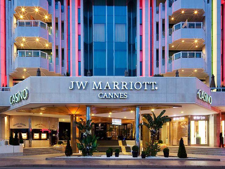 Amazon.com, Apple Inc. o Marriott Hotels & Resorts ? Cuales son las mejores marcas en Servicio al Cliente? Vea todas aquí: http://ticsyformacion.com/2011/06/17/las-mejores-marcas-en-el-servicio-al-cliente-infografia-infographic-merketing/