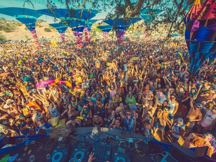 Camping At Music Festivals: 10 Hacks For A Seamless Weekend