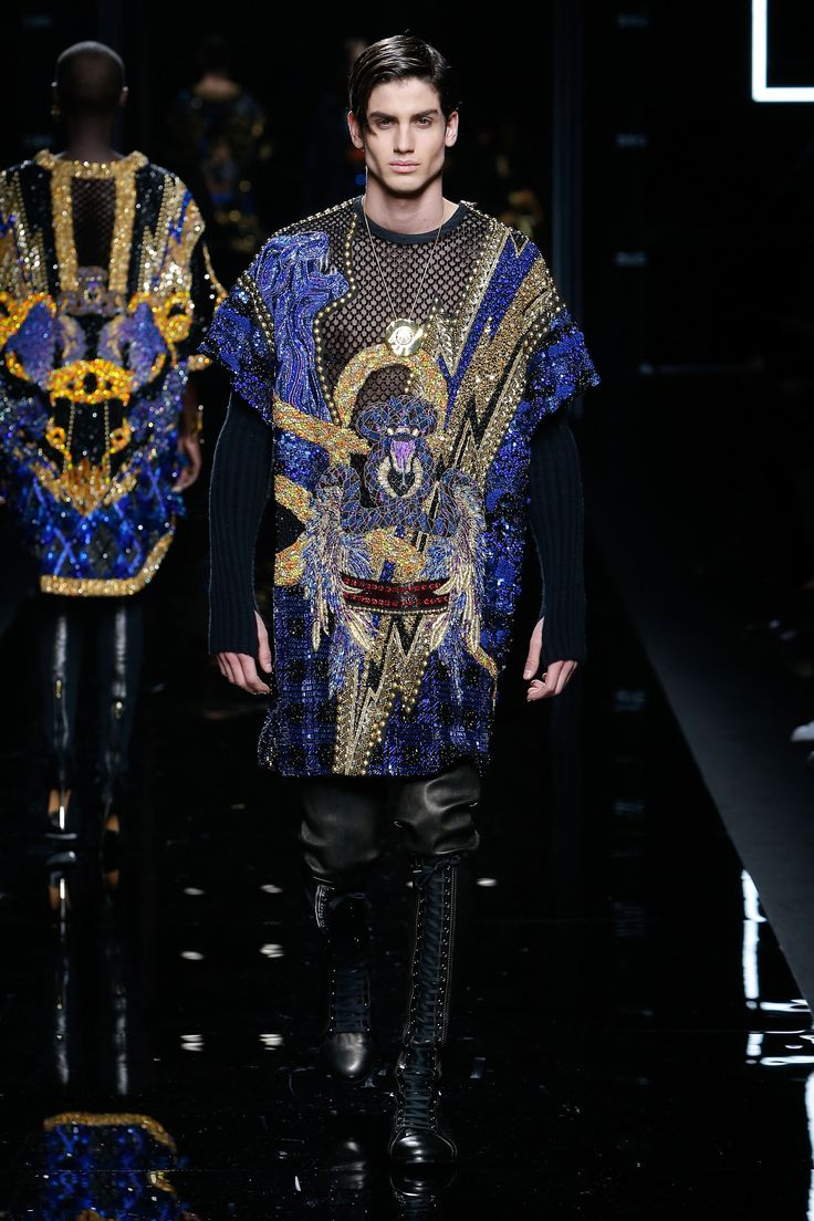 See the complete Balmain Fall 2017 Menswear collection.