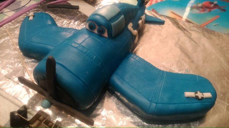 Cake Skipper. Dort podle postavičky z filmu Planes.