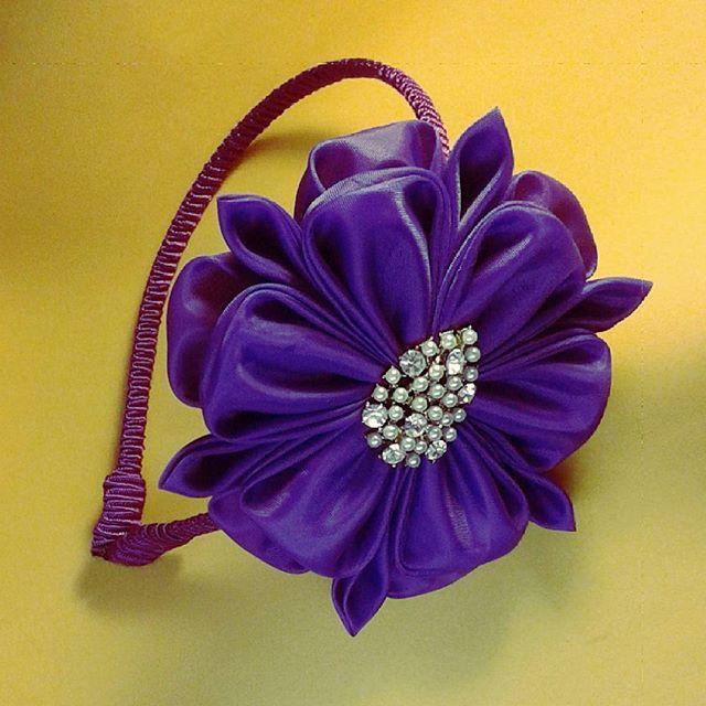 #handmade #artesanato #tiara #jewelry #acessorios #instahair #acessories #kanzashibrasil #kanzashicreations #hairaccessories #kanzashi