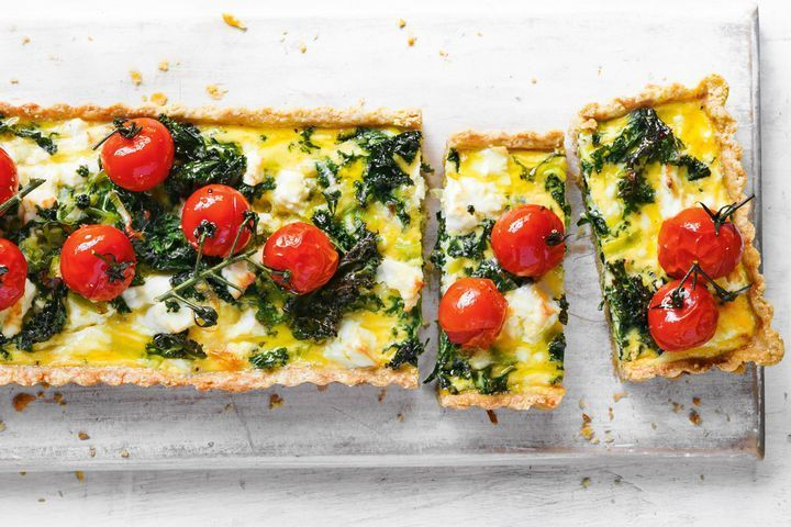 Wholemeal quiche with wilted kale and tomatoes