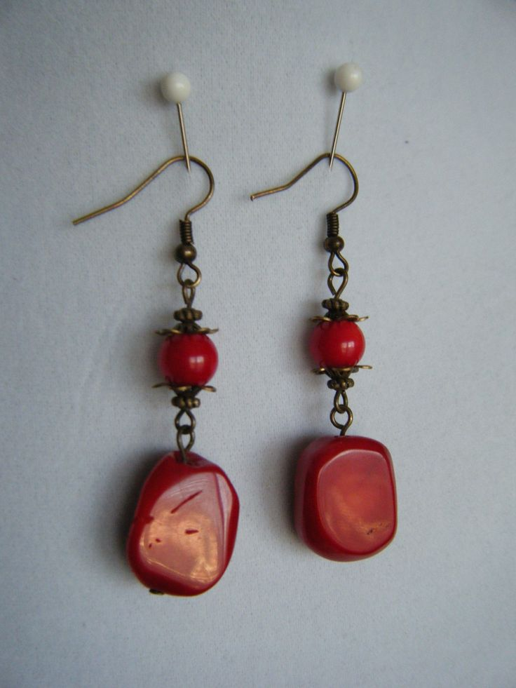 Red nuggets with gun metal accent
