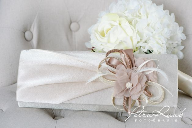 Brauttaschen - Brauttasche mit Accessoires in creme und beige - ein Designerstück von Perle-Wismer bei DaWanda