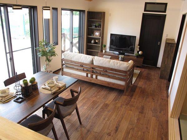 ウォールナット無垢材の家具とブラック色をテーマカラーとしたLD空間コーディネート事例をご紹介 の画像|家具なび ~きっと家具から始まる家づくり~