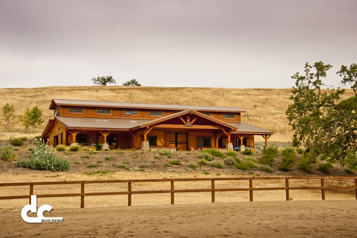 Best 25 luxury horse barns ideas on pinterest dream for Luxury barn homes