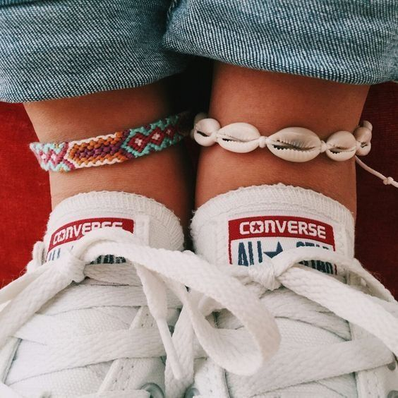 Alle Sterne | Converse | Weiße Turnschuhe | Inspo | Mo … – #accessoires #Converse #inspo #Mo #Sneakers