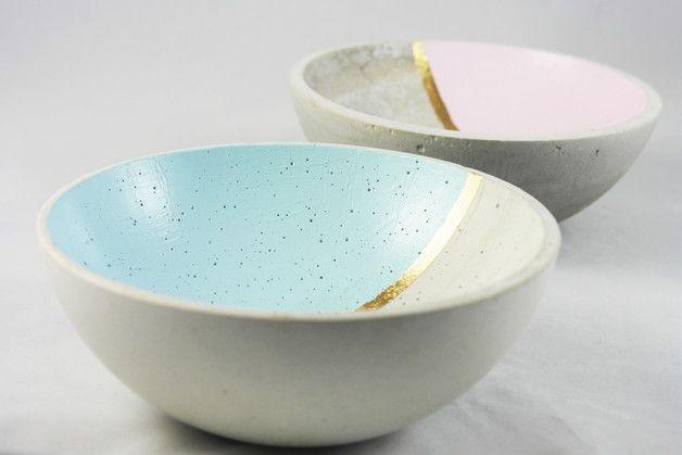 Betonschalen in Pastell, Schüsseln aus Beton, Wohndeko / bowls in crayon made of concrete, home decor made by Frollein Herzblut via DaWanda.com