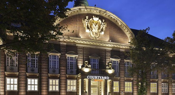 Courtyard by Marriott Bremen Bremen This 4-star hotel is directly beside Bremen Central Station and just 200 metres from the Messe Exhibition Centre. It offers soundproofed rooms, a 24-hour shop, and free fitness facilities.