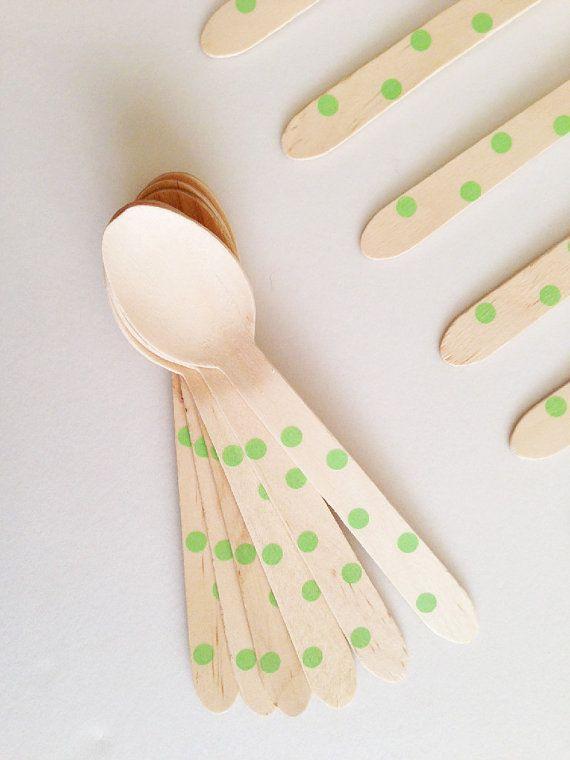 10+Cucchiai+di+legno+a+pois+verdi+/+10+Green+Polka+by+Partytude,+€4.75