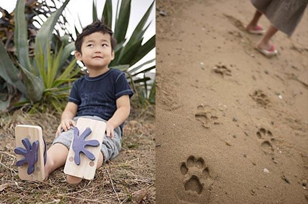 I'm thinking DINOSAURS!Ashiato Beach, Beach Sandles, Activities For Kids, Beach Sandals, Foot Prints, Ashiato Sandals, Animal Footprints, Cool Ideas, Footprints Shoes