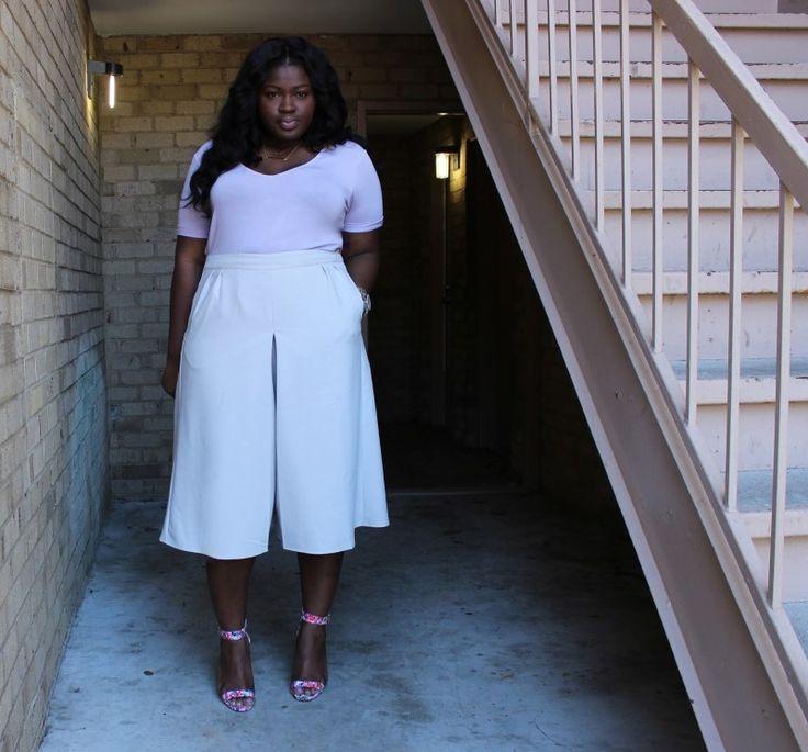 Blogger SuppleChic in plus size midi culottes #TCFStyle