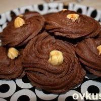 Печенье шоколадное с фундуком