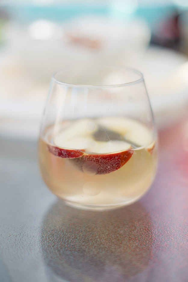 White Wine Sangria with Apple   17 Super Easy Sangrias To Make This Summer
