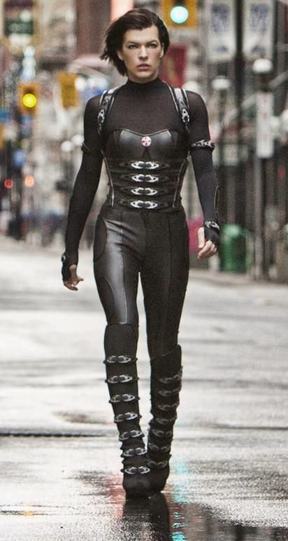 Alice's full outfit in Resident Evil Retribution