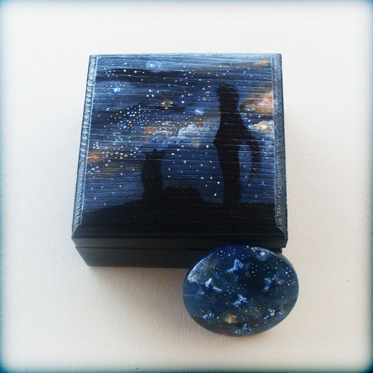 Little Wooden Keepsake Box - Gazing Into The UNIVERSE by allabouthandicraft on Etsy