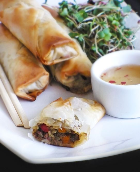 a crispy *baked* Spring Roll using Phyllo Dough (recipe in Polish, but Google Translate friendly)